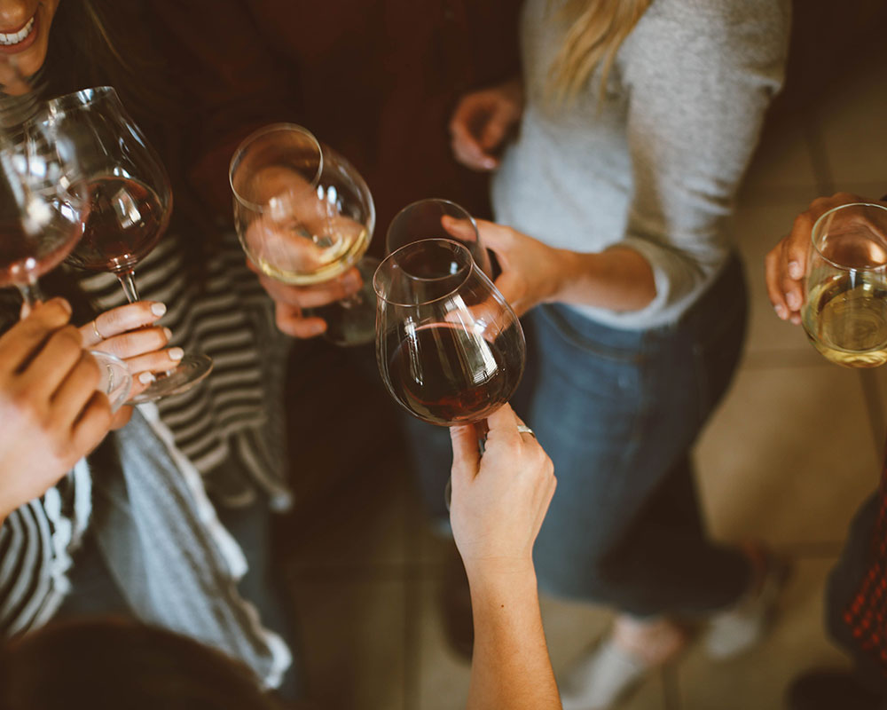 Quero Wines Club Ragazze e Vino